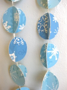 winter holiday paper garland