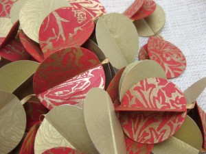 paper holiday garland