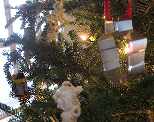 photo of christmas tree with dreidel cookie cutter ornament